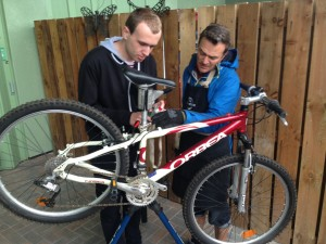 cycle repairs photo